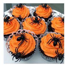 20 inspirierende Halloween Cupcake Ideen - Cakes and cupcakes - Halloween Desserts, Spooky Halloween, Halloween Backen, Bolo Halloween, Postres Halloween, Dulces Halloween, Hallowen Food, Halloween Party Snacks, Halloween Chocolate