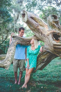 engagement pictures at Washington Oaks State Park