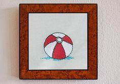 Sommerdekoration! Strandball-Stickerei im Rahmen