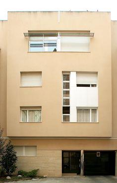 #Edificios #Contemporáneo #Exterior #Ventanas #Fachada #Puertas