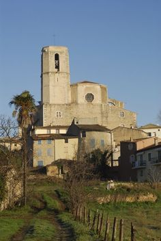 Saint Martin church in Lorgues is now fully restored French Countryside, Provence, Mount Rushmore, Restoration, Saints, Mountains, Nature, Travel, Beautiful