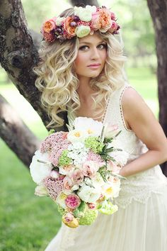 17 Best Boho Hairstyles Medium Wedding To Upgrade Your Usual Styles 42 Boho Wedding Hairstyles Bohemian Wedding Hair, Bohemian Bride, Bohemian Headpiece, Floral Headpiece, Boho Hairstyles, Wedding Hairstyles, Hairstyle Ideas, Hairstyles 2016, Hair Ideas