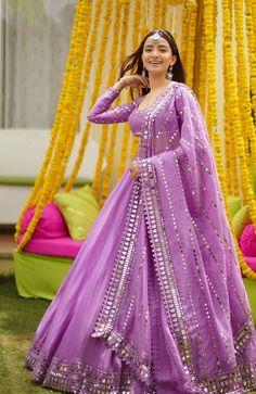 Party Wear Indian Dresses, Designer Party Wear Dresses, Indian Gowns Dresses, Indian Bridal Outfits, Indian Bridal Fashion, Dress Indian Style, Indian Fashion Dresses, Indian Designer Outfits, Gown Party Wear