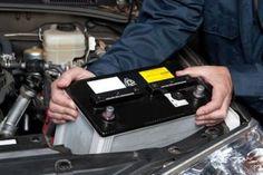 Cum sa cureti bornele bateriei? Daca ai probleme cu pornirea motorului si ai inlocuit recent bateria de la masina, cel mai sigur este ca pe bornele bateriei exista depuneri corozive. Verifica in primul rand bateria ca sa vezi daca mufele sunt oxidate sau bine prinse. Cablurile trebuie...