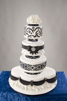Black And White Wedding Cake With Swarovski Crystals This cake is featured in the issue of cake central magazine. Black White Cakes, Black And White Wedding Cake, White Wedding Cakes, Beautiful Wedding Cakes, Beautiful Cakes, Amazing Cakes, Beautiful Desserts, Cake Wedding, Pretty Cakes
