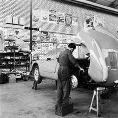 Porsche Spyder garage