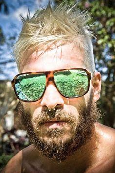 awesome shades and Beard  sunglasses  beard  man www.beardbalm.us Lunettes 6da4e29cd5e0