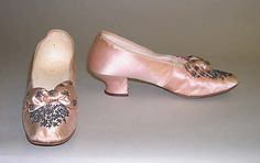 Shoes (Pumps), Evening.  Date: 1885–95. Culture: American. Medium: silk, leather, cotton, steel. Dimensions: Length: 10 in. (25.4 cm).