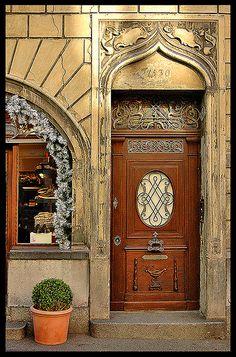 Door, Lucerne, Switzerland