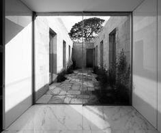 courtyard / frederico valsassina / casa en boavista-porto