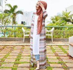 60 Ideas for fashion hijab style chic beautiful Arab Fashion, Islamic Fashion, Muslim Fashion, Modest Fashion, Look Fashion, Fashion Outfits, Fashion Tips, Trendy Fashion, Hijab Casual