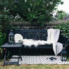 Create an on-trend outdoor room in 8 budget-friendly steps, part of the #UKHomeBlogHop - your summer source book of home and garden inspiration.