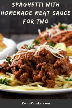 This easy Spaghetti with homemade meat sauce takes just a few minutes of prep and then a slow simmer on the stove for a beef packed classic Italian spaghetti. Homemade Meat Sauce, Meat Sauce Recipes, Homemade Spaghetti Sauce, Easy Pasta Recipes, Beef Recipes, Cooking Recipes, Goulash Recipes, Batch Cooking, Cooking Tips