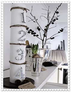 looove the white and branches. bit of silver. bit of black.black white and silver in hall Modern Christmas, Beautiful Christmas, Winter Christmas, Christmas Crafts, Xmas, Christmas Ideas, Deco Dyi, Cool Advent Calendars, Advent Candles