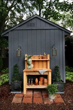 black garden shed with cedar potting bench Painted Garden Sheds, Garden Shed Diy, Backyard Sheds, Cedar Garden, Garden Shed Exterior Ideas, Garden Ideas, Garden Storage Shed, Garden Planters, Patio Ideas