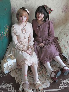Milanoo Lolita Dress Bow Ruffled Classical Lolita Dresses Chiffon Long Sleeves Lolita Dress With Square Collar