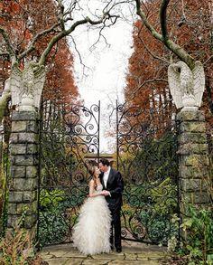 Fall wedding portrait | photography by http://www.artoflove.com/blog/