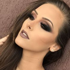 Brown Lipstick, one of the indispensable make-ups, took its place among the autumn makeup trends this year. Sexy Makeup, Dark Makeup, Kiss Makeup, Glam Makeup, Gorgeous Makeup, Makeup Inspo, Makeup Inspiration, Beauty Makeup, Full Makeup