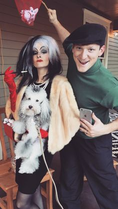 Cruella DeVille & Jasper with poodle turned into a Dalmatian for Halloween… Disney Costumes For Women, Couples Halloween Outfits, Couple Halloween Costumes For Adults, Halloween Goodies, Halloween Party Decor, Couple Costumes, Pirate Costumes, Group Costumes, Adult Costumes