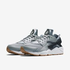 Nike Huaraches (men's) 10/10 used Nike huarache sneakers. Please be aware these shoes run a half size too small!! Nike Shoes Sneakers