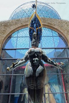 The Venus of Figueres, outside of the Dali Museum