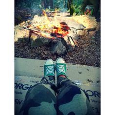 """Mi piace"": 18, commenti: 1 - Marika Spagnuolo (@_mariku95_) su Instagram: ""#ferragosto #montagna #whithfriends  #happyday #happiness #relax #photography #fire🔥 #greenshoes…"""
