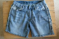 How to Make Frayed Cut-Off Jean Shorts