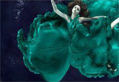 vogue subaquática couture