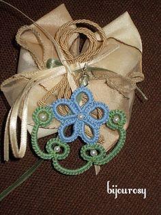 http://www.ebay.it/itm/ORECCHINI-uncinetto-chiacchierino-perla-argento-/151449060854?pt=Bigiotteria&hash=item23431145f6