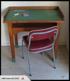 ** COOL OLD SCHOOL DESK ** - with blackboard top