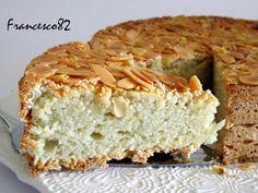 C arissimi amici bentornati nella mia cucina, oggi voglio stupirvi con qualcosa di dolce: La torta di mandorle senza farina del maestro ...