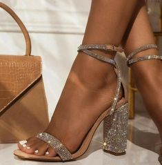 Casual Heels Outfit, Heels Outfits, Sandals Outfit, Skort Outfit, Girls Sandals, Women Sandals, Shoes Sandals, How To Wear Heels, Dress And Heels