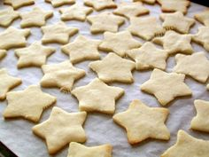 Stelute albe (cu untura) Biscuits, Macarons, Cookies, Desserts, Homemade Food, Recipes, Ideas, Pie, Deserts