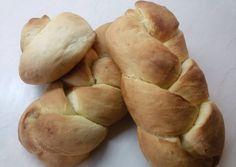 κύρια φωτογραφία συνταγής Αρωματικά νηστίσιμα τσουρεκάκια Potatoes, Bread, Vegetables, Food, Potato, Veggies, Breads, Vegetable Recipes, Baking