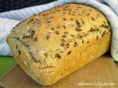 Chleb pszenno-żytni z ziarnami Healthy Sweets, Muffin, Food And Drink, Cooking Recipes, Bread, Breakfast, Kitchen, Food Ideas, Fit