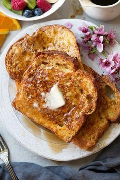 Recipes Bread The only French toast recipe you'll ever want to use! Makes perfectly fluffy, delicious tasty, and amazingly addictive french toast! Made with basic ingredients and includes a bit of heavy cream for a delicious bit of richness! Awesome French Toast Recipe, Easy French Toast Recipe No Vanilla, French Toast Recipe Flour, French Toast Recipe Texas Toast, Making French Toast, Egg Nog French Toast, Best French Toast Recipe Ever, French Toast Receta, French Toast Recipes