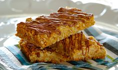 Need a recipe for scrumtious biscuits? Try this quick crunchies recipe today and rate Stork's recipes here. Stork – love to bake. Biscuit Cookies, Biscuit Recipe, Stork Recipes, Crunchie Recipes, Flapjack Recipe, Pasta, Muesli, Sweet Cakes, Recipe Today