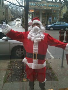 Guess who played sidewalk Santa last year @ RED 7 SALON Evanston??