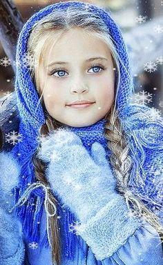 beautiful little girl - blue eyes - adorable kids So Cute Baby, Cute Kids, Cute Babies, Precious Children, Beautiful Children, Beautiful Babies, Art Children, Beautiful Eyes, Beautiful People