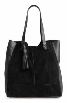 Authenticity Card Included Made in Japan Includes logo sleeper bag Glassy tote enhance with innovative design. Handbags Michael Kors, Tote Handbags, Leather Handbags, My Bags, Purses And Bags, Best Purses, Prada, Beautiful Handbags, Leather Bags Handmade