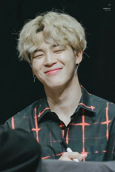 Page 2 Read Park Jimin ; from the story 'bts Icons 🌱 by vlvlavidawe (☁) with 246 reads. Bts Jimin, Bts Bangtan Boy, Bts Boys, Jimin Hot, Park Ji Min, Foto Bts, Bts Photo, Mochi, Taehyung