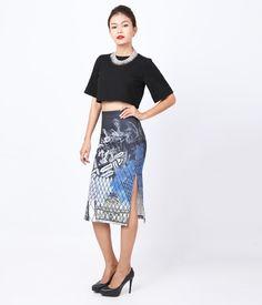 Chân váy dài xẻ 2 bên sườn. http://canifa.com/nu/chan-vay-nu-626702f.html