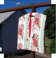 The Hem Line: Easiest Clothespin Bag