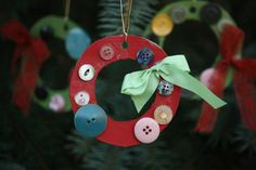 button wreaths - happy hooligans - easy christmas crafts for kids