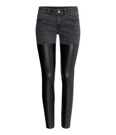 Yep these faux leather duo denim jeans are from H&M!