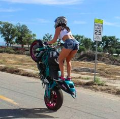 Top 10 Posts from Mototeka: Feed the addiciton