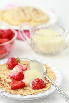 Kitchen Heals Soul - crêpes with strawberries and pastry cream