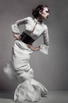 Mateusz Ligocki - Fashion photography - Dolls - Puppet - Puppeteer - Marionatte - Halloween concept ideas