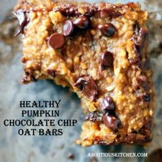 Healthy Pumpkin Chocolate Chip Oat Bars {vegan and gluten free}
