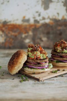 (Vegan) Fry's Traditional Burger with chunky avo and Peppadew salsa & toasted seeds as a vegan option for your next braai.
